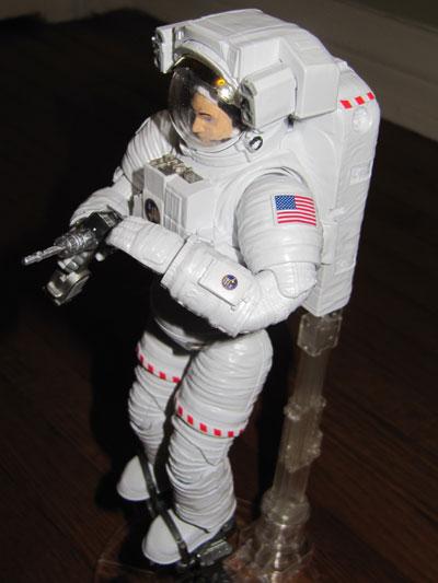 Bandai Hobby ISS Space Suit Extravehicular Mobility Unit 1/10 Exploring Lab Bandai_emu03