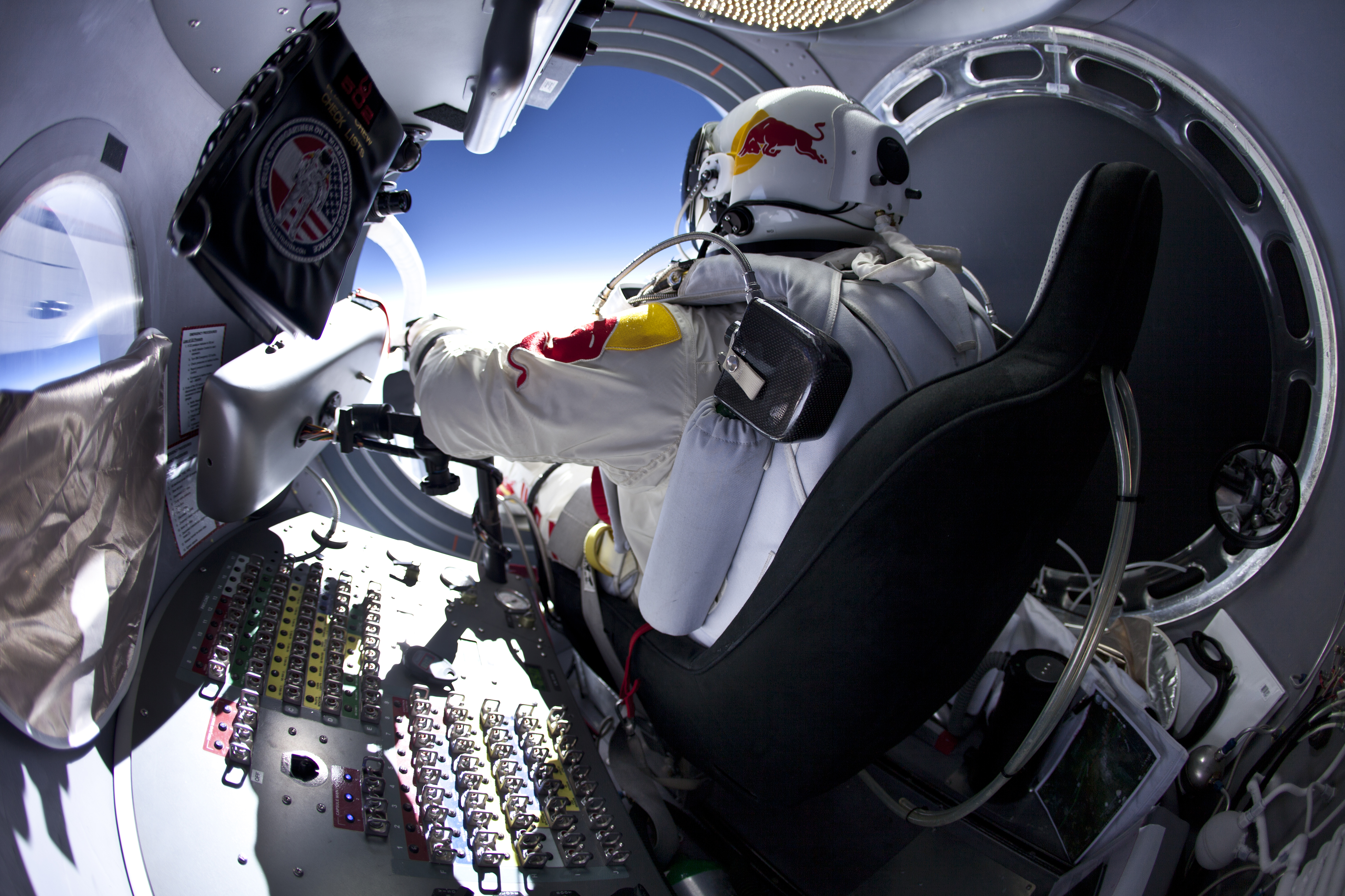 felix baumgartner Update: after adverse weather conditions delayed earlier launch attempts, felix  baumgartner has finally made his historic skydive red bull.