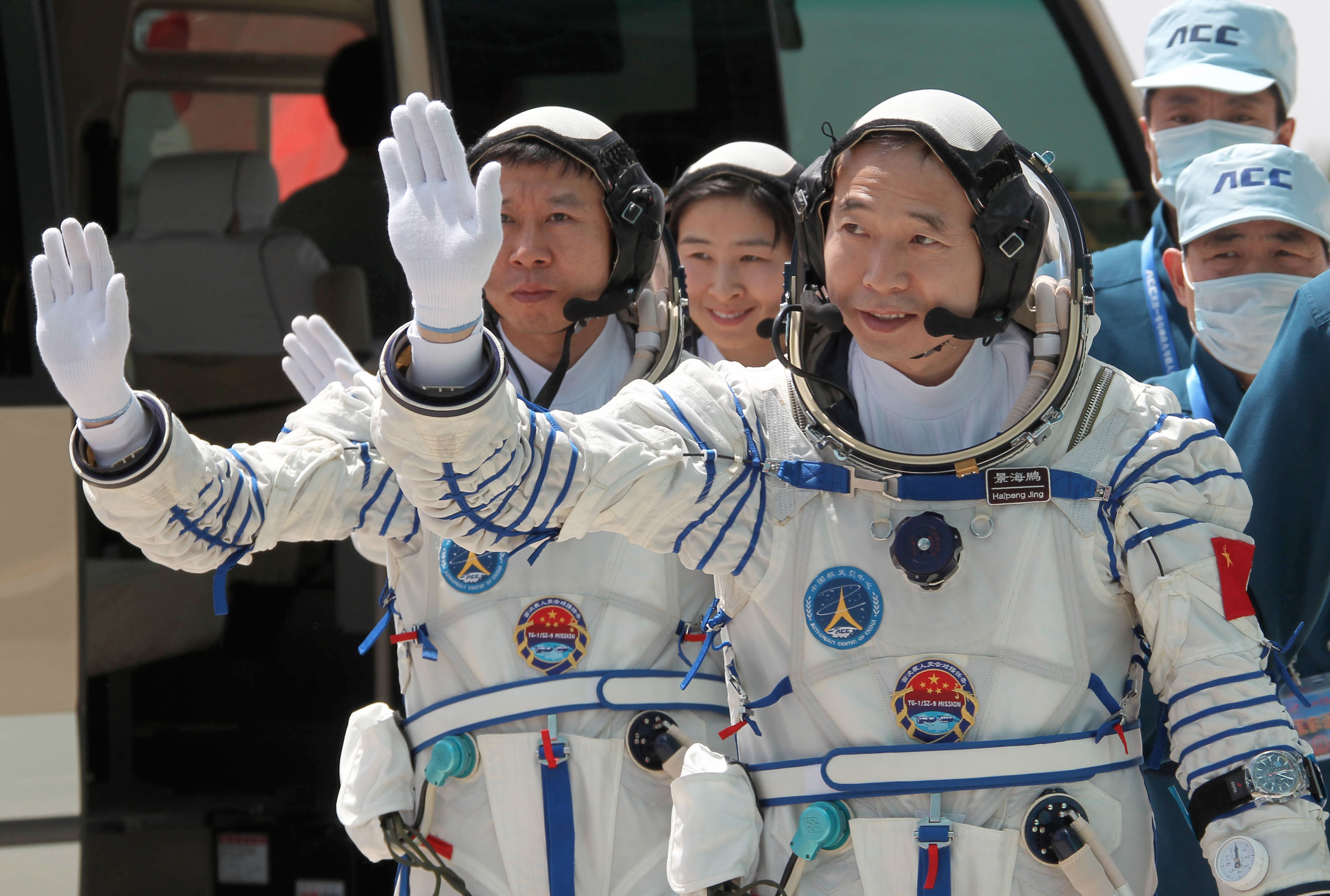 astronauts in space china - photo #9