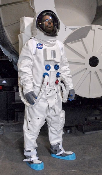 apollo a7l spacesuit - photo #18