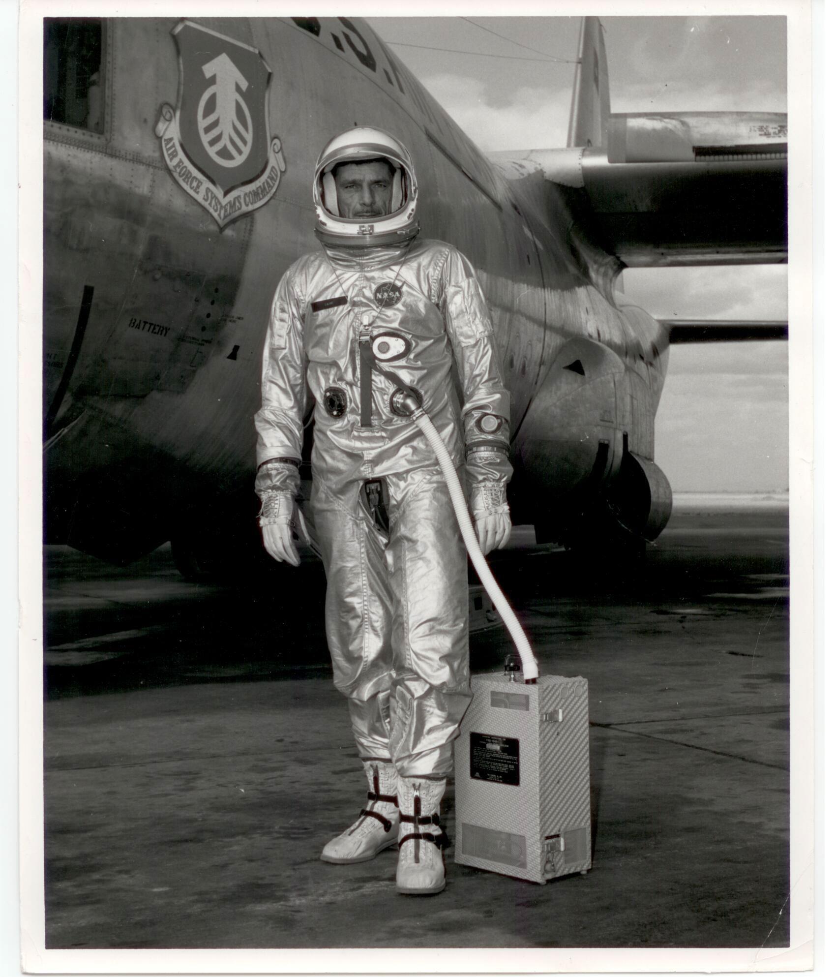 Gemini G2-C training suit (CWO Laine) - collectSPACE: Messages